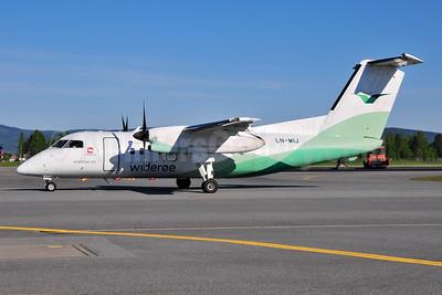 Wideroe (Widerøe's Flyveselskap AS) Bombardier DHC-8-103 Dash 8 LN-WIJ (msn 386) OSL (Ton Jochems). Image: 953123.