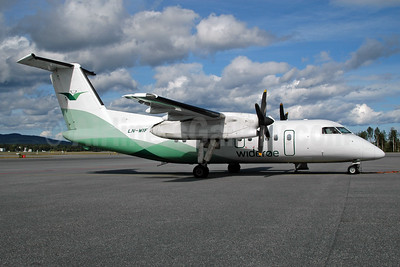 Wideroe (Widerøe's Flyveselskap AS) Bombardier DHC-8-103 Dash 8 LN-WIF (msn 372) OSL (Ton Jochems). Image: 953119.