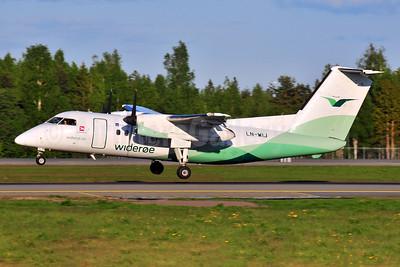 Wideroe (Widerøe's Flyveselskap AS) Bombardier DHC-8-103 Dash 8 LN-WIJ (msn 386) OSL (Ton Jochems). Image: 953122.