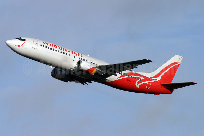 Centralwings (LOT Polish Airlines) Boeing 737-4Q8 SP-LLI (msn 24706) LGW (Antony J. Best). Image: 909833.