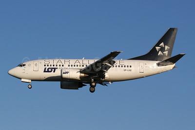 LOT Polish Airlines Boeing 737-55D SP-LKE (msn 27130) (Star Alliance) LHR (Moritz Riemer). Image: 906229.