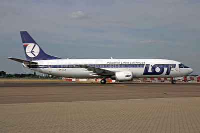 LOT Polish Airlines Boeing 737-45D SP-LLB (msn 27156) LHR (SPA). Image: 950409.