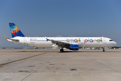 Small Planet Airlines (Poland) Airbus A321-211 SP-HAZ (msn 3191) AYT (Ton Jochems). Image: 943845.