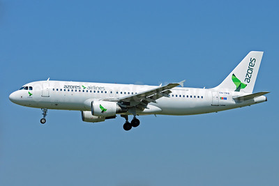Azores Airlines Airbus A320-214 CS-TKQ (msn 2325) BCN (Karl Cornil). Image: 940747.
