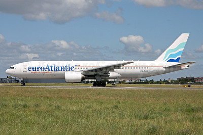 EuroAtlantic Airways Boeing 777-212 ER CS-TFM (msn 28513) LIS (Rui Silva). Image: 908706.