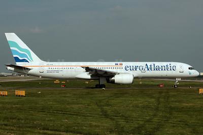 EuroAtlantic Airways Boeing 757-2G5 CS-TFK (msn 23983) LGW (Antony J. Best). Image: 902077.