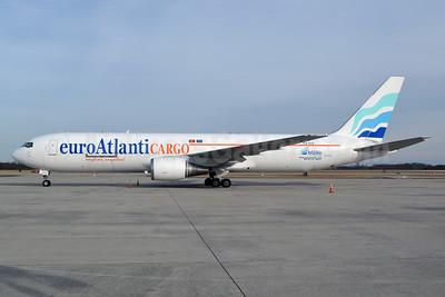 EuroAtlantic Airways Cargo Boeing 767-375 ER (F) CS-TLZ (msn 24086) CLT (Jay Selman). Image: 402628.