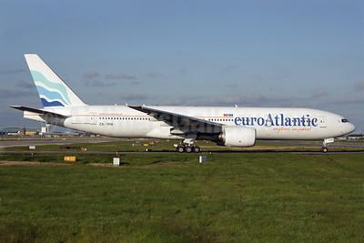 EuroAtlantic Airways Boeing 777-212 ER CS-TFM (msn 28513) LGW (Antony J. Best). Image: 913533.