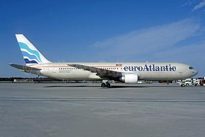 EuroAtlantic Airways Boeing 767-383 ER CS-TLO (msn 24318) (Christian Volpati Collection). Image: 941973.