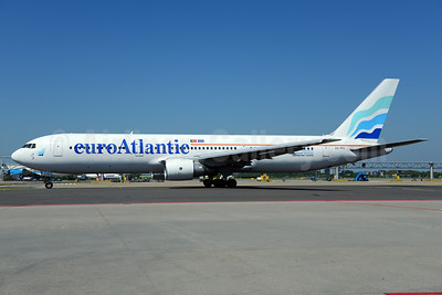 EuroAtlantic Airways Boeing 767-3Y0 ER CS-TFS (msn 25411) AMS (Ton Jochems). Image: 913527.