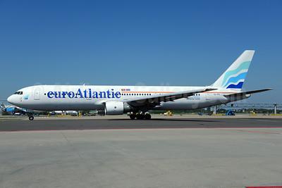 EuroAtlantic Airways Boeing 767-3Y0 ER CS-TFS (msn 25411) AMS (Ton Jochems). Image: 913527.