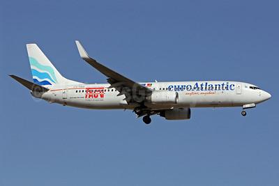 EuroAtlantic Airways-TACV Boeing 737-8K2 WL CS-TQU (msn 30646) LIS (Pedro Baptista). Image: 913528.