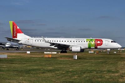 TAP Portugal Express (Portugalia Airlines) Embraer ERJ 190-100LR CS-TPQ (msn 19000450) LGW (Robbie Shaw). Image: 934299.