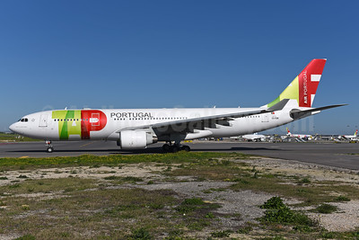 TAP Portugal - Air Portugal Airbus A330-223 CS-TOE (msn 305) LIS (Ton Jochems). Image:  940764.