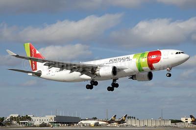 TAP Portugal Airbus A330-203 CS-TOR (msn 486) MIA (Chris Sands). Image: 927305.