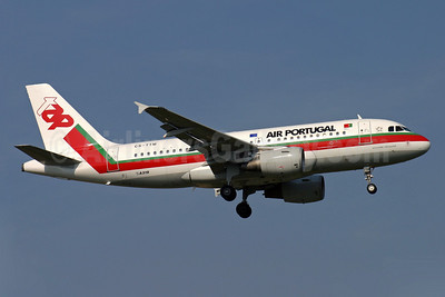 TAP-Air Portugal Airbus A319-111 CS-TTM (msn 1106) LGW (Antony J. Best). Image: 900223.