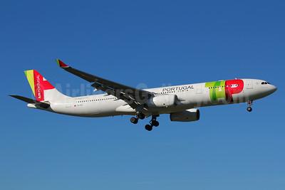 TAP Portugal - Air Portugal Airbus A330-343 CS-TOU (msn 997) LIS (Marcelo F. De Biasi). Image: 940710.