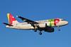 TAP Portugal - Air Portugal Airbus A319-111 CS-TTG (msn 906) LIS (Marcelo F. De Biasi). 940705.