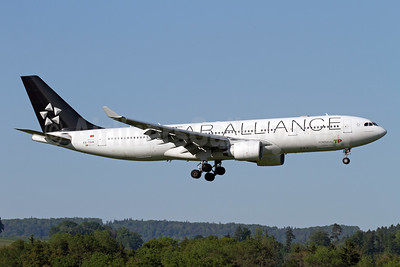 TAP Portugal Airbus A330-223 CS-TOH (msn 181) (Star Alliance) ZRH (Andi Hiltl). Image: 940760.