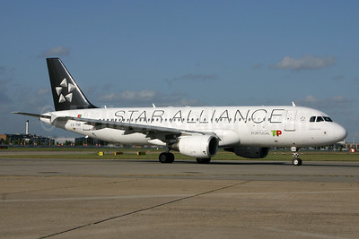TAP Portugal Airbus A320-214 CS-TNP (msn 2178) (Star Alliance) LHR. Image: 937477.
