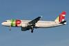 TAP Portugal Airbus A320-211 CS-TNB (msn 191) LHR (Antony J. Best). Image: 900225.