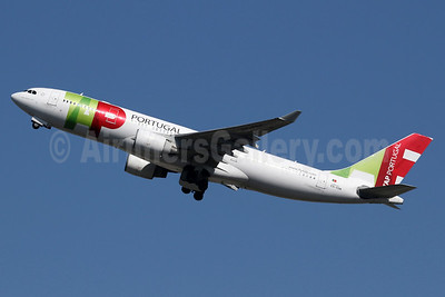 TAP Portugal Airbus A330-223 CS-TOK (msn 317) LHR (SPA). Image: 937491.