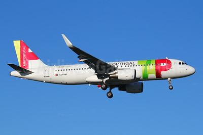 TAP Portugal - Air Portugal Airbus A320-214 WL CS-TNR (msn 3883) LIS (Marcelo F. De Biasi). Image: 940709.