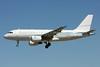 White Airways Airbus A319-115 (LR) (ACJ) CS-TFU (msn 2440) (VIP) LIS (Pedro Baptista). Image: 911440.
