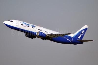 Blue Air (BlueAirweb.com) Boeing 737-430 YR-BAK (msn 27005) BRU (Karl Cornil). Image: 911795.