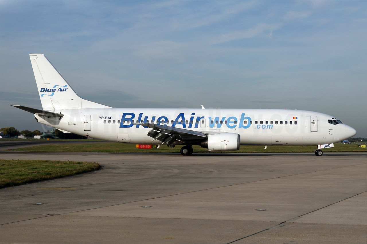 Blue Air (BlueAirweb.com) Boeing 737-4C9 YR-BAD (msn 25429) STN (Pedro Pics). Image: 901377.