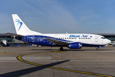Blue Air Boeing 737-530 YR-AMA (msn 24942) BRU (Ton Jochems). Image: 940979.
