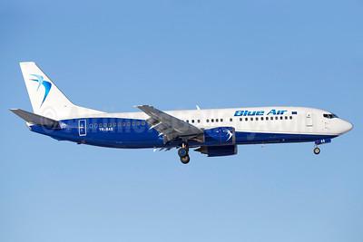 Blue Air Boeing 737-430 YR-BAS (msn 27007) ARN (Stefan Sjogren). Image: 937145.
