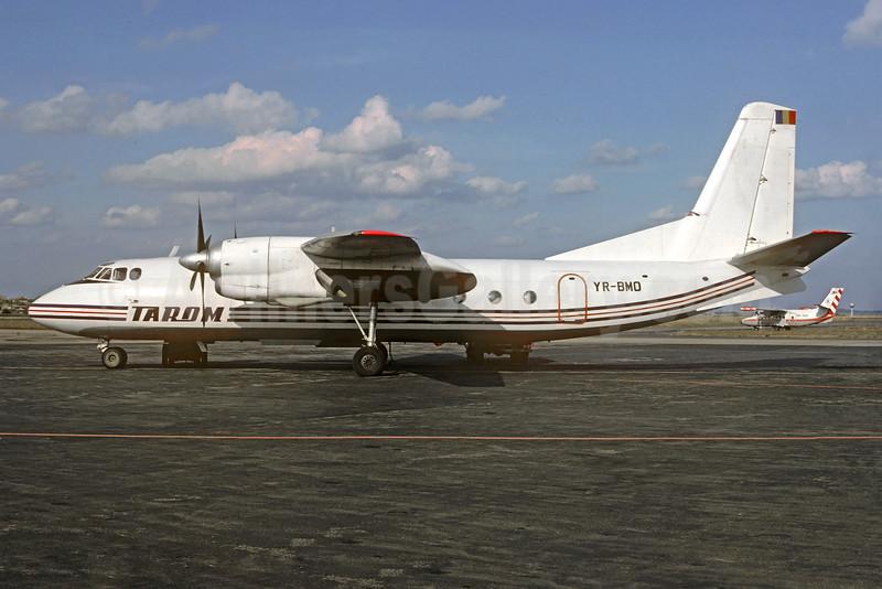 TAROM (Transporturile Aeriene Romane -Romanian Air Transport) Antonov An-24RV YR-BMO (msn 77310710) (THT colors) PRG (Christian Volpati Collection). Image: 930798.