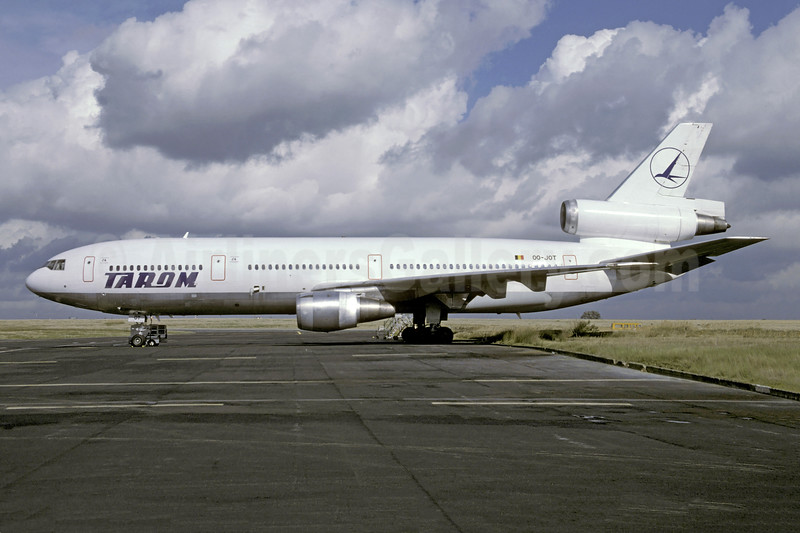 Rare photo of the leased TAROM DC-10-30
