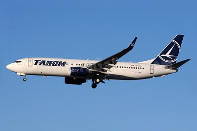 TAROM-Transporturile Aeriene Romane (Romanian Air Transport) Boeing 737-86J WL YR-BGR (msn 37741) LHR (Richard Vandervord). Image: 930804.