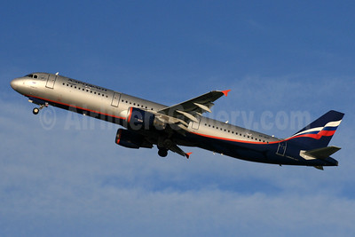 Aeroflot Russian Airlines Airbus A321-211 VP-BUP (msn 3334) LHR (SPA). Image: 935207.