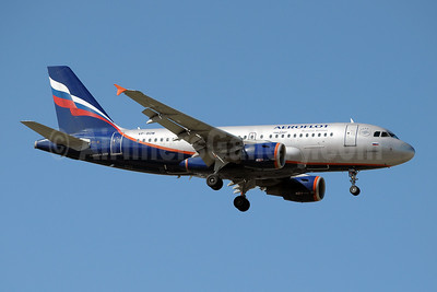 Aeroflot Russian Airlines Airbus A319-111 VP-BDM (msn 2069) MAD (Paul Denton). Image: 909757.