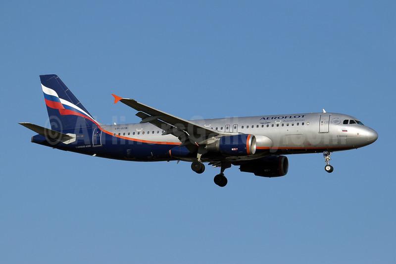 Aeroflot Russian Airlines Airbus A320-214 VP-BDK (msn 2106) AYT (Paul Denton). Image: 909758.