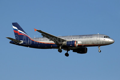 Aeroflot Russian Airlines Airbus A320-214 VP-BDK (msn 2106) AYT (Paul Denton). Image: 909758.