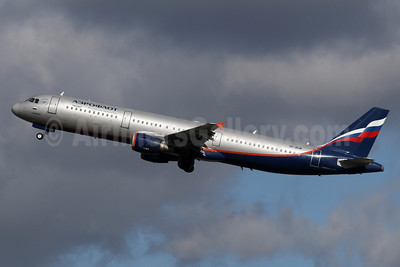 Aeroflot Russian Airlines Airbus A321-211 VP-BUM (msn 3267) LHR (SPA). Image: 937253.