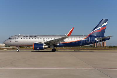 Aeroflot Russian Airlines Airbus A320-214 WL VQ-BRW (msn 5974) AYT (Ton Jochems). Image: 940530.