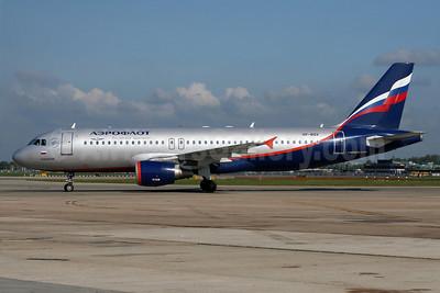 Aeroflot Russian Airlines Airbus A320-214 VP-BQV (msn 2920) LHR (Wingnut). Image: 905492.
