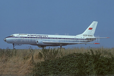 Aeroflot Russian International Airlines Tupolev Tu-104B CCCP-42403 (msn 820105) LBG (Christian Volpati Collection). Image: 940537.