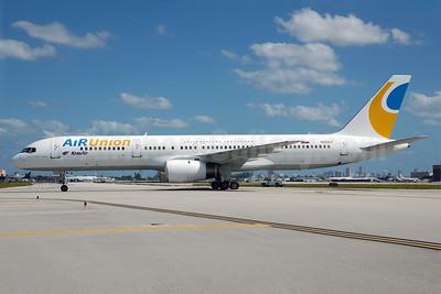 AirUnion-Kras Air Boeing 757-236 N263LF (EI-DUC) (msn 26248) MIA (Bruce Drum). Image: 100353.