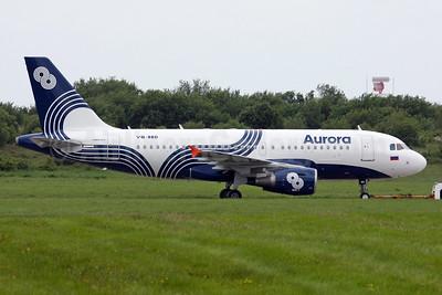 Aurora (Russia) Airbus A319-111 VQ-BBD (msn 3838) SNN (Michael Kelly). Image: 929789.