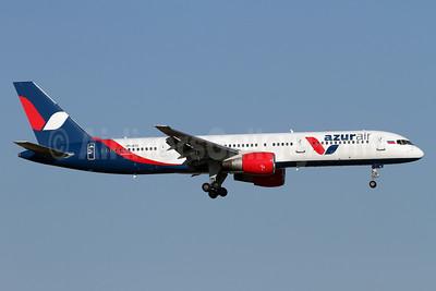 Azur Air Boeing 757-231 VP-BYC (msn 30338) AYT (Andi Hiltl). Image: 938625.