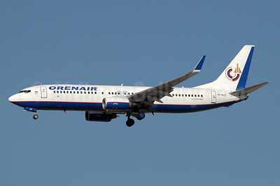 Orenair (Orenburg Airlines) Boeing 737-86J WL VP-BLD (msn 32624) DXB (Paul Denton). Image: 912478.