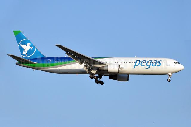 Pegas Touristik (IKAR Airlines) Boeing 767-3Q8 ER VP-BMC (msn 30301) AYT (Karl Cornil). Image: 923200.
