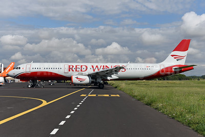 Red Wings Airlines Airbus A321-231 OE-IFC (msn 1707) MPL (Ton Jochems). Image: 942269.