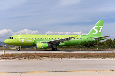 S7 Airlines (Siberia Airlines) Airbus A320-214 VQ-BDF (msn 3880) PMI (Ton Jochems). Image: 942541.